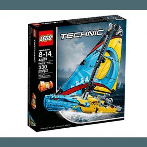 LEGO Technic Racingyacht